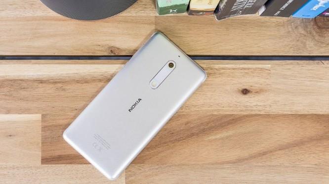 Smartphone hoài cổ: nên mua Nokia 5 hay Samsung Galaxy J4? ảnh 6