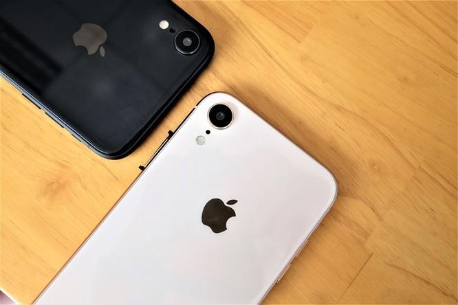 iPhone XR chưa mở bán nhưng hàng nhái đã xuất hiện tại VN ảnh 1