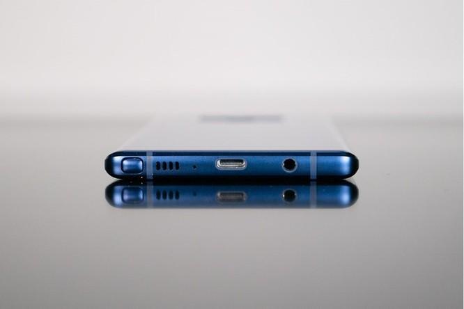 Học tập iPhone, Samsung Galaxy Note 10 bỏ jack tai nghe? ảnh 1