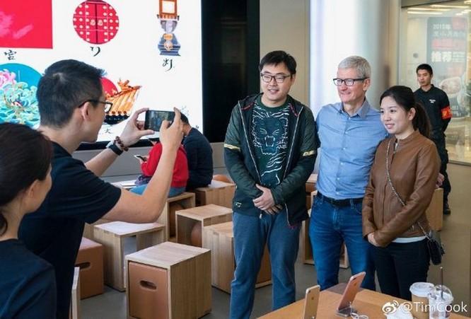 Tim Cook thân chinh tới Trung Quốc để 'níu kéo' khách hàng mua iPhone mới? ảnh 2