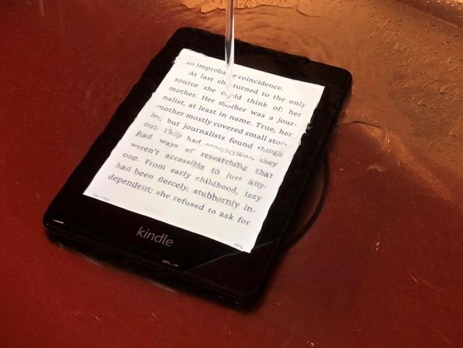 Kindle Paperwhite 2018 đã có tính năng chống nước ảnh 2