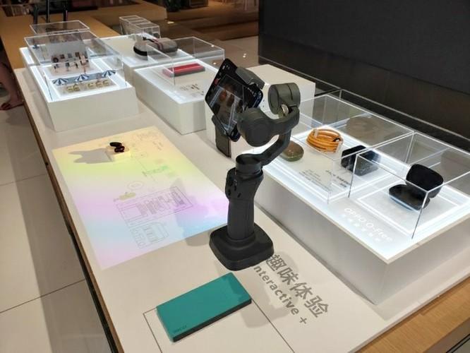Bên trong cửa hàng cao cấp lớn nhất thế giới của Oppo tại Trung Quốc ảnh 12