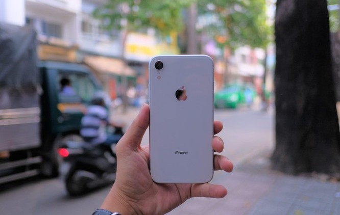 iPhone XR về Việt Nam, giá từ 23,9 triệu đồng ảnh 2