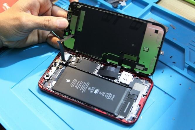 Bên trong iPhone XR vừa về VN - 1 pin, dung lượng 2.942 mAh ảnh 4