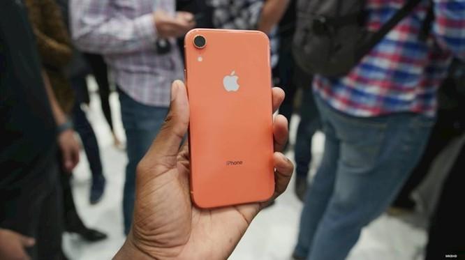 Cận cảnh 6 màu sắc rực rỡ của iPhone XR chính hãng vừa mở bán ảnh 17