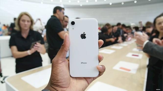 Cận cảnh 6 màu sắc rực rỡ của iPhone XR chính hãng vừa mở bán ảnh 2