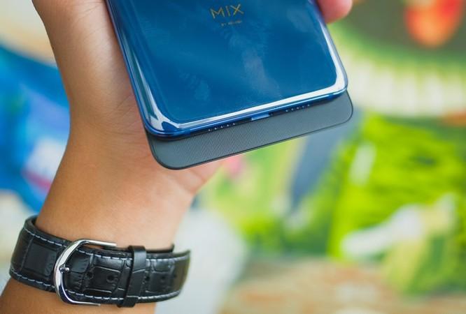 Smartphone RAM 10 GB đầu tiên ra mắt tại VN ảnh 4