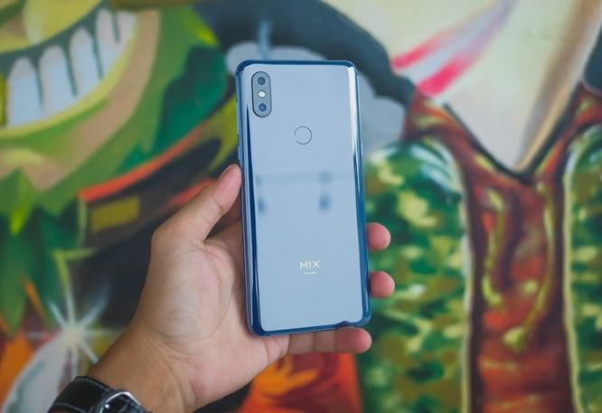 Smartphone RAM 10 GB đầu tiên ra mắt tại VN ảnh 1