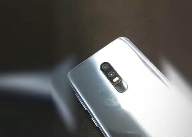 Zenfone 6 màn hình 'nốt ruồi' lộ diện ảnh 5