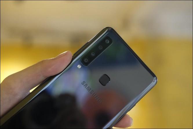 Cảm nhận nhanh Samsung Galaxy A9 2018, smartphone 4 camera sau tại Việt Nam ảnh 11