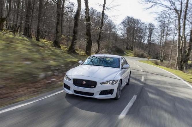 Jaguar Land Rover đang nghiên cứu công nghệ chống say xe ảnh 1