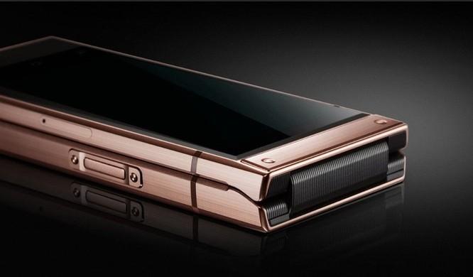 Smartphone nắp gập, 2 màn hình giá gần 3.000 USD của Samsung ảnh 3
