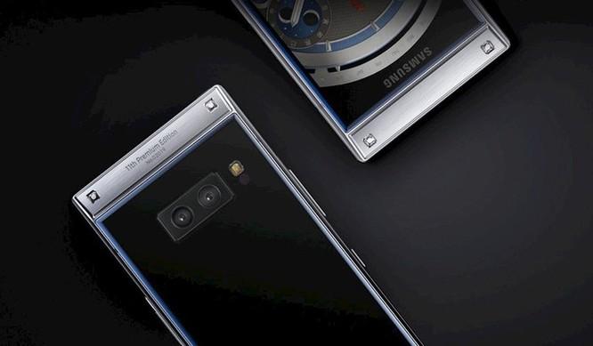 Điện thoại vỏ sò cao cấp Samsung W2019 trình làng, giá 63,6 triệu đồng ảnh 2