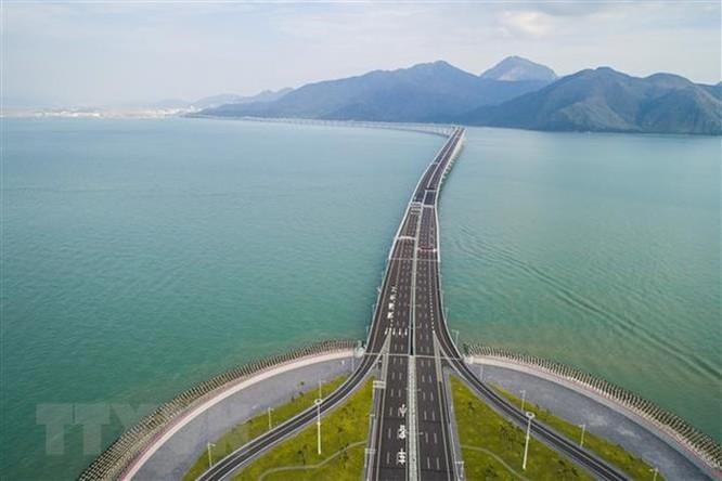 Cây cầu vượt biển dài nhất thế giới tại Trung Quốc sẽ có mạng 5G ảnh 1