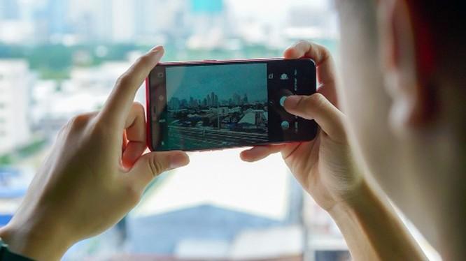 Chọn mua smartphone camera kép chụp xóa phông dưới 4 triệu đồng ảnh 2