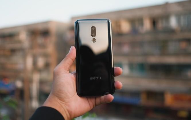 Chi tiết smartphone mỏng nhẹ nhất 2018 giá 11 triệu ở VN ảnh 1