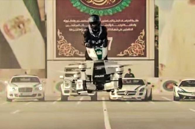 Cảnh sát Dubai tập sử dụng xe bay để bắt tội phạm ảnh 3