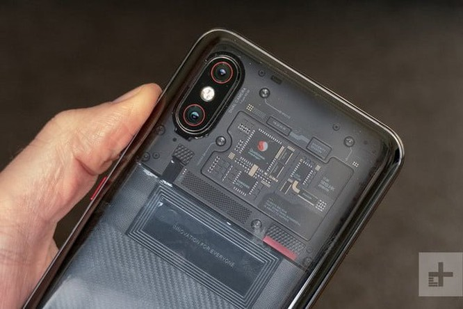 Xiaomi bán Mi 8 Pro mặt lưng trong suốt tại Việt Nam, giá 14,99 triệu đồng ảnh 2