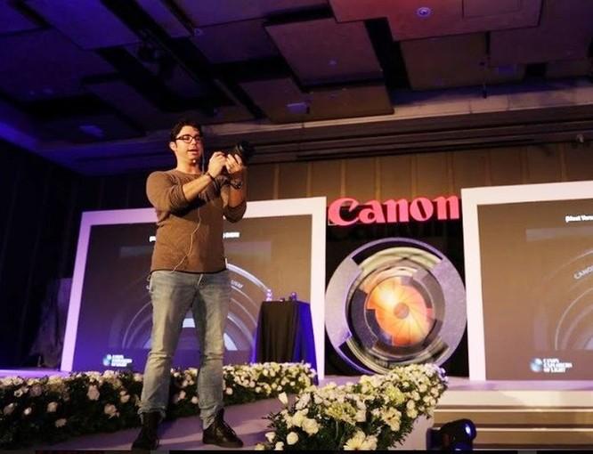 Canon trình diễn dòng máy ảnh không gương lật full-frame EOS R mới nhất ảnh 1