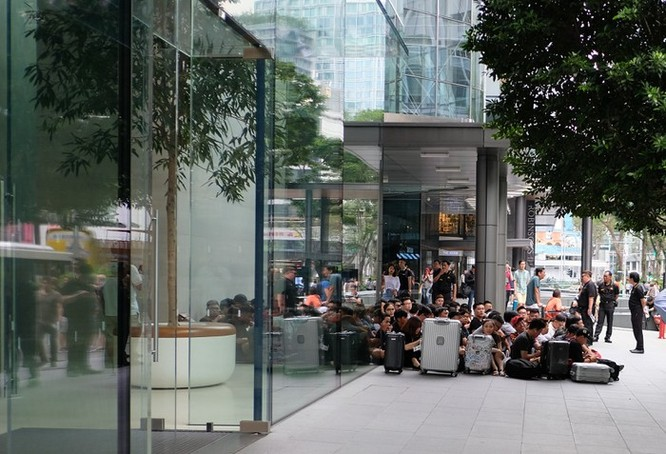 Thái Lan có Apple Store, người Việt miệt mài xếp hàng đến bao giờ? ảnh 8