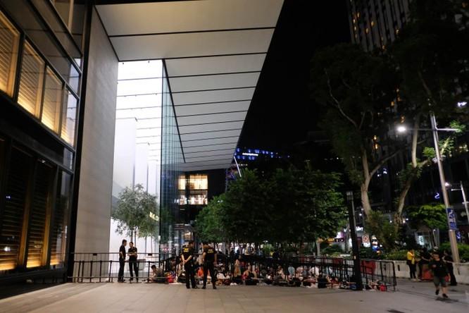 Thái Lan có Apple Store, người Việt miệt mài xếp hàng đến bao giờ? ảnh 6
