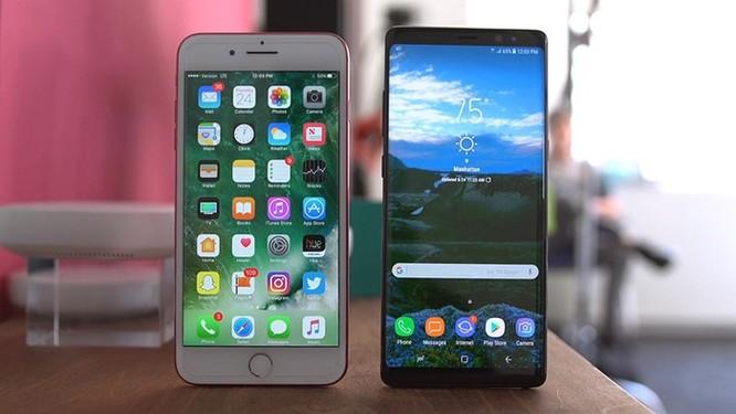 Giá bán smartphone đời cũ cao ngất ngưởng tại Việt Nam ảnh 1
