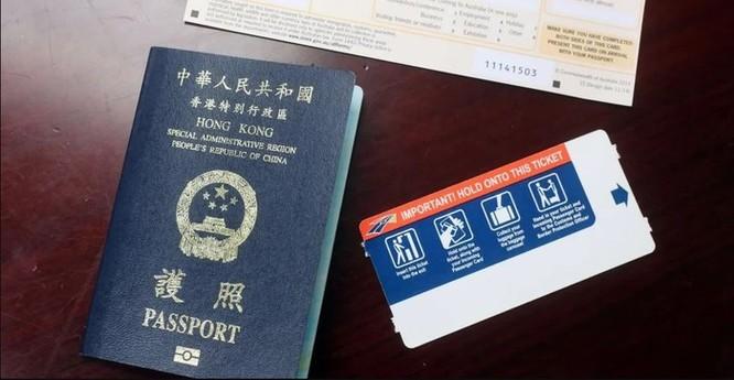'Công chúa Huawei' bị bắt có đến 7 cuốn hộ chiếu ảnh 2