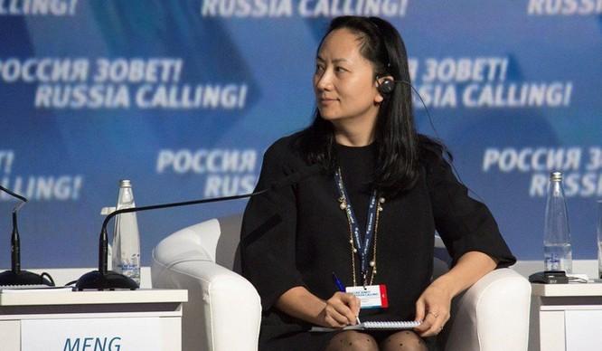 'Công chúa Huawei' bị bắt có đến 7 cuốn hộ chiếu ảnh 1