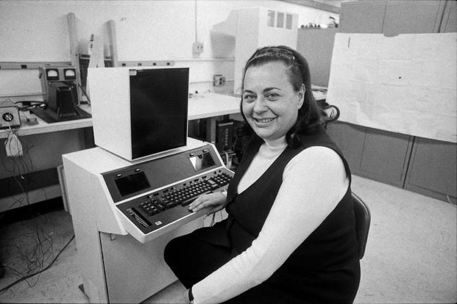 Người sáng chế bộ xử lý văn bản máy tính qua đời ảnh 2