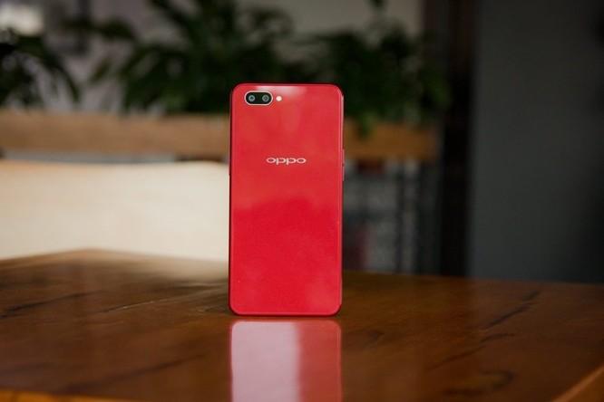 10 smartphone được tìm kiếm nhiều nhất 2018 ở VN ảnh 6