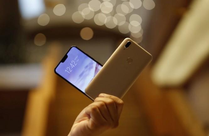 10 smartphone được tìm kiếm nhiều nhất 2018 ở VN ảnh 8