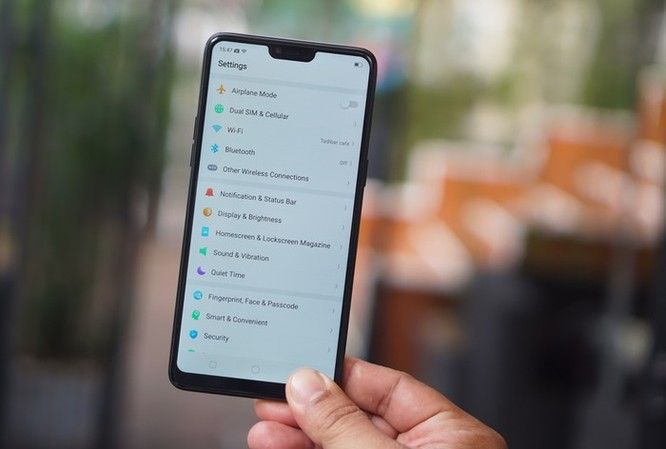 10 smartphone được tìm kiếm nhiều nhất 2018 ở VN ảnh 2