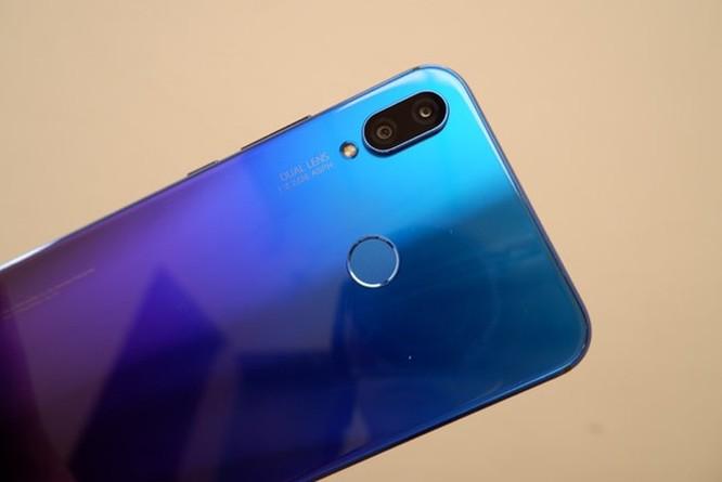 10 smartphone được tìm kiếm nhiều nhất 2018 ở VN ảnh 9