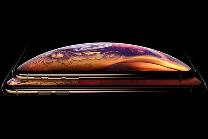 Apple bị kiện vì màn hình khuyết đỉnh trên iPhone XS ảnh 1