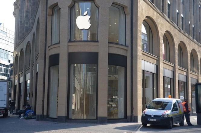 Đến lượt Đức cấm bán 2 mẫu iPhone ảnh 1
