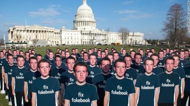 Bạn có nghĩ xóa tài khoản Facebook là xong? ảnh 1
