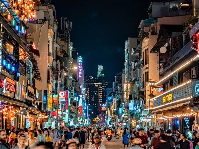 Ảnh Sài Gòn ngày và đêm dưới ống kính smartphone ảnh 4