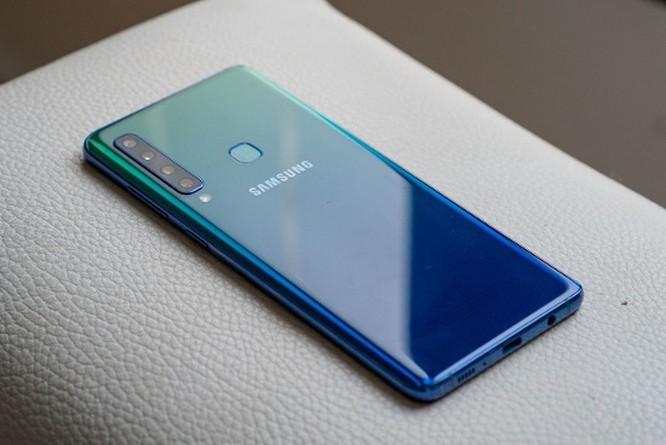 9 smartphone có màu đẹp nhất năm 2018 ảnh 15