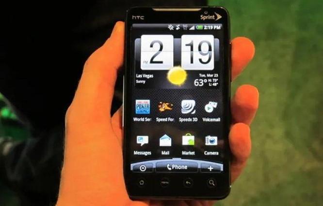 Những chiếc điện thoại xứng đáng với danh hiệu 'đầu tiên' ảnh 4