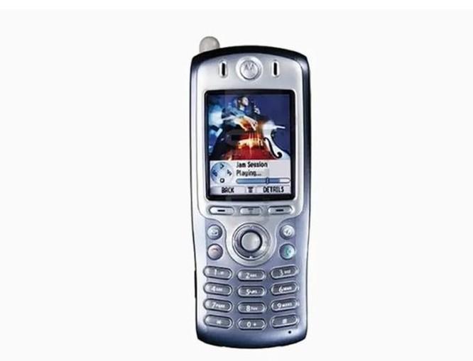 Những chiếc điện thoại xứng đáng với danh hiệu 'đầu tiên' ảnh 3