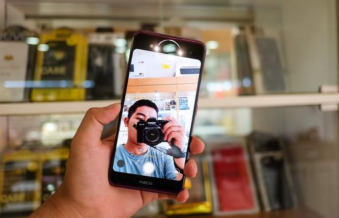 Chi tiết smartphone 2 màn hình, RAM 10 GB vừa về VN ảnh 6