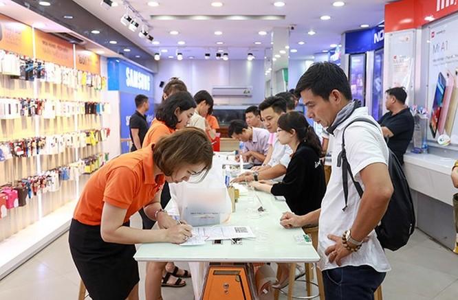 Cuộc đua hạ giá trên thị trường smartphone Việt tháng cận Tết ảnh 1