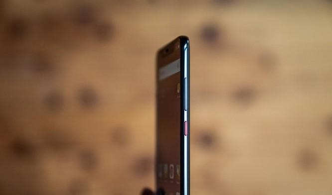 Huawei Mate 20 Pro đối đầu Mi 8 Pro: Đâu mới là lựa chọn? ảnh 11