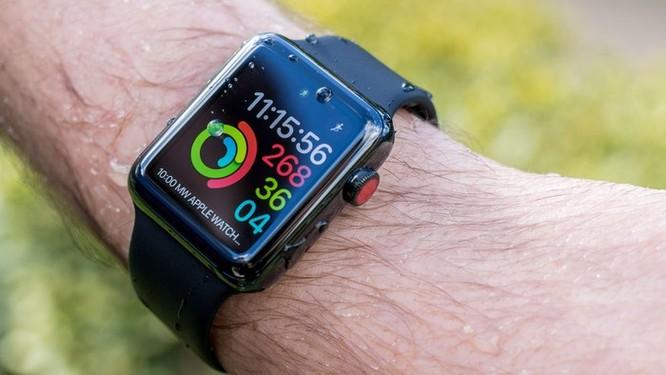 Những mẫu smartwatch giảm giá mạnh cận Tết ảnh 1
