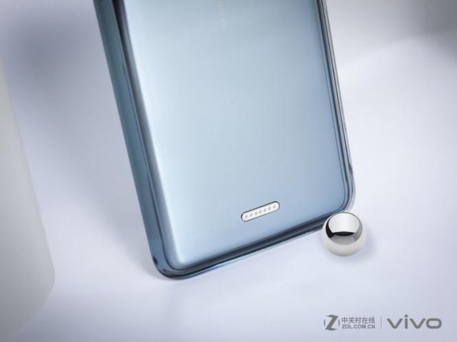 Smartphone không cổng kết nối, không phím cứng từ Vivo ảnh 5