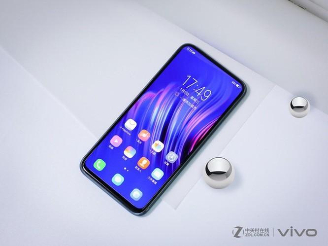Smartphone không cổng kết nối, không phím cứng từ Vivo ảnh 2