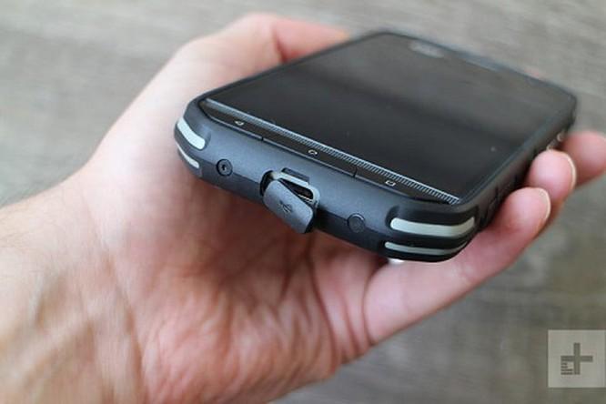Khám phá chiếc smartphone 'nồi đồng cối đá' Cat S48c ảnh 3