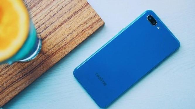 5 smartphone giá rẻ đáng mua nhất Tết này ảnh 2
