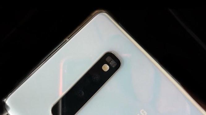 Galaxy S10 chưa ra mắt, blogger đã đăng video trải nghiệm ảnh 8