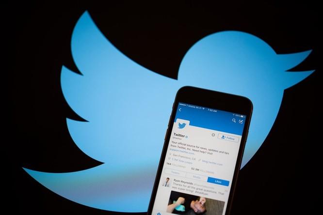 Người dùng Twitter lao dốc ảnh 1